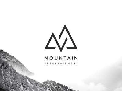 Mountain Entertainment Logo par Igor Chebotarev